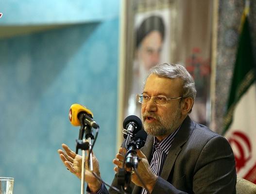 لاریجانی :افراد دارای مشکل اقتصادی نباید به شوراها بیایند