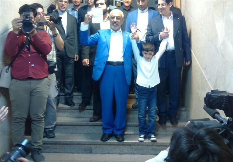 «زاهدی» وزیر علوم احمدی نژاد داوطلب انتخابات ریاستجمهوری ۹۶ شد + عکس