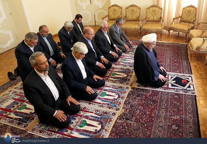 اقتدای تمام کاندیدهای انتخابات ریاست جمهوری ۹۲ به حسن روحانی! + عکس