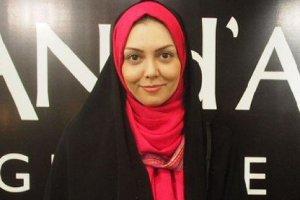 عکس آزاده نامداری و دخترش هنگام شرکت در انتخابات ریاست جمهوری ۹۶ + عکس