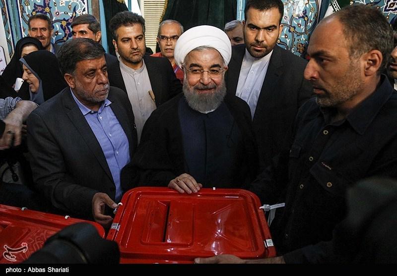 تصاویر لحظه شرکت حسن روحانی رئیس جمهور در انتخابات ریاست جمهوری و شورای شهر تهران