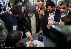 تصاویر لحظه شرکت حجت الاسلام و المسلمین دکتر سید ابراهیم رئیسی در انتخابات ریاست جمهوری و شورای شهر تهران