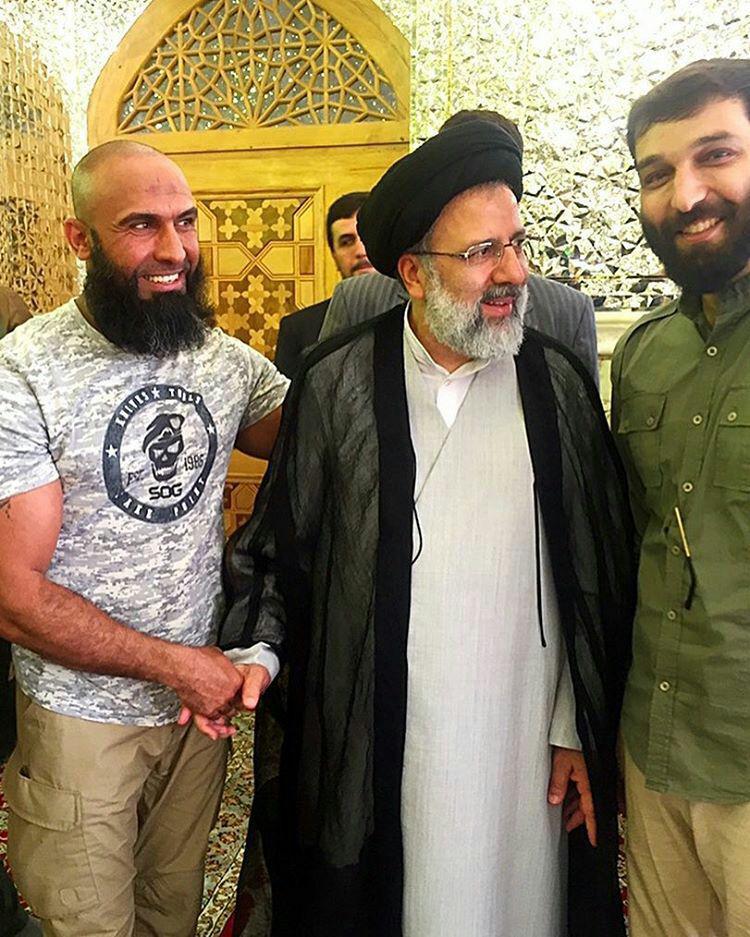 عکس جالب و جنجالی #ابوعزرائیل در کنار سید ابراهیم #رئیسی در حرم امام رضا علیه السلام