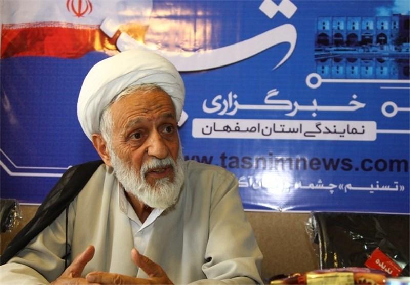 خوف این را دارم که با کاندیداتوری احمدی نژاد فتنه ای داخلی به راه افتد