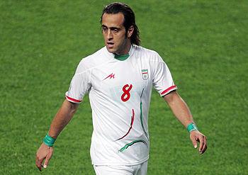 اعلام حمایت علی کریمی بازیکن محبوب فوتبال ایران از حسن روحانی در انتخابات ریاست جمهوری ۹۶