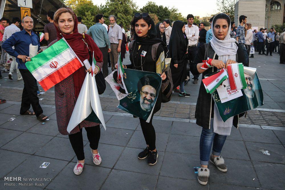 تصاویر دختران و زنان حامی سید ابراهیم رئیسی با تیپ های متفاوت و جنجالی